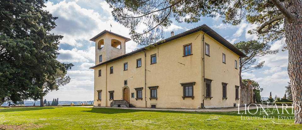 Villa for sale in Florence Image 2