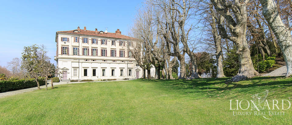 Historical villa in Turin for sale Image 14