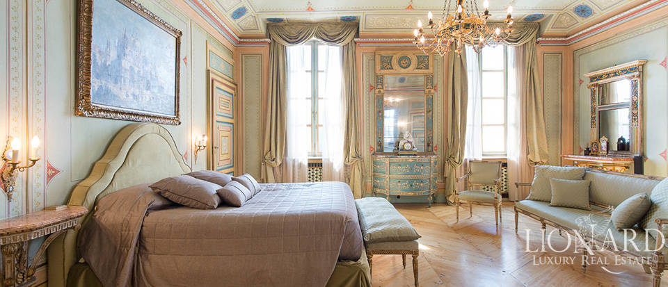 Historical villa in Turin for sale Image 57