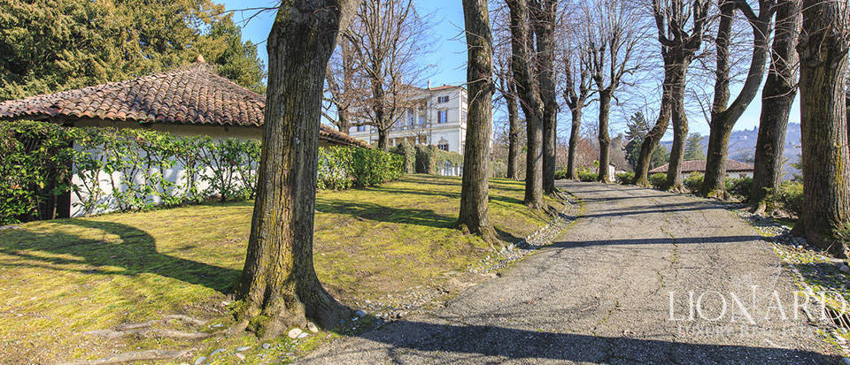 Historical villa in Turin for sale Image 16