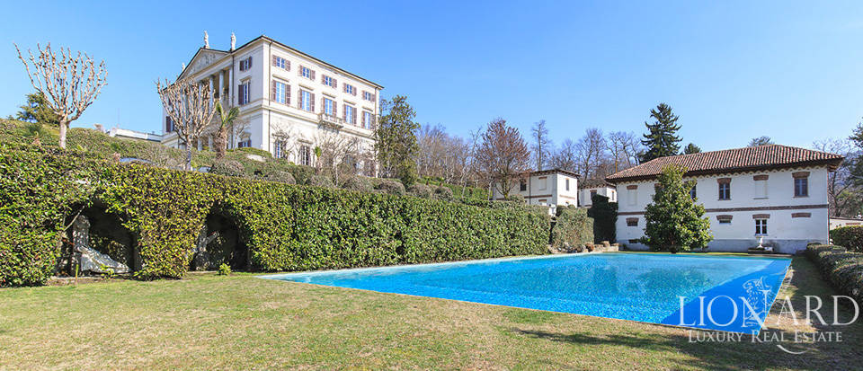 Historical villa in Turin for sale Image 11