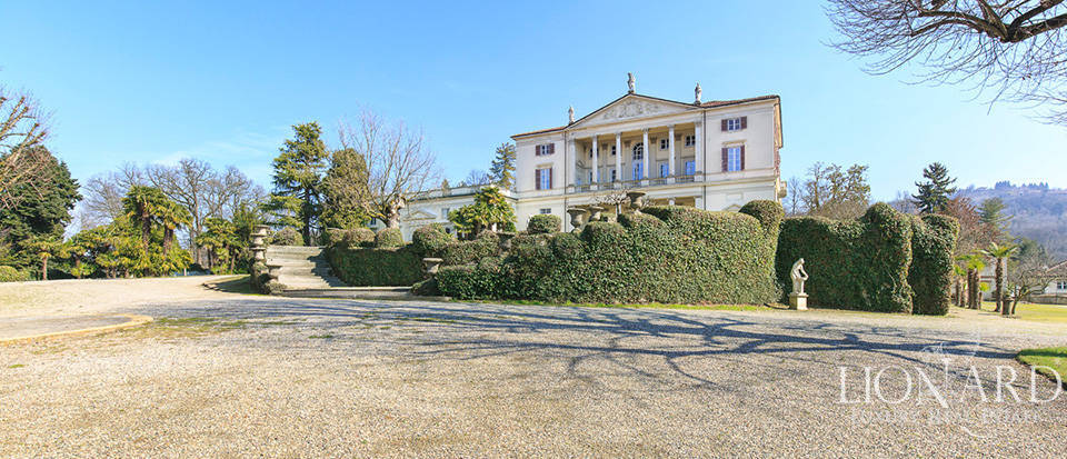 Historical villa in Turin for sale Image 10