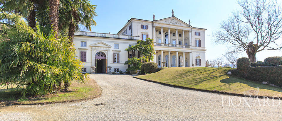 Historical villa in Turin for sale Image 7