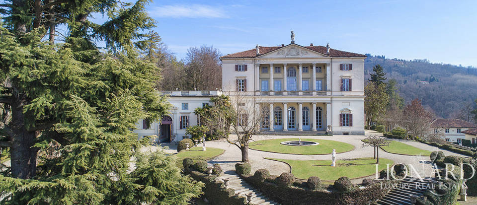 Historical villa in Turin for sale