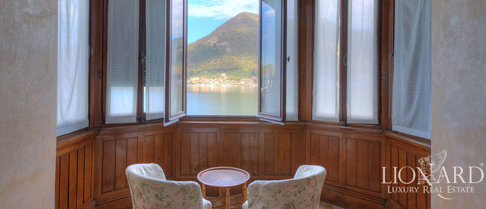 Lake-front villa for sale by Lake Iseo Image 16