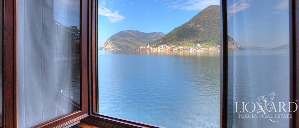 Lake-front villa for sale by Lake Iseo Image 17