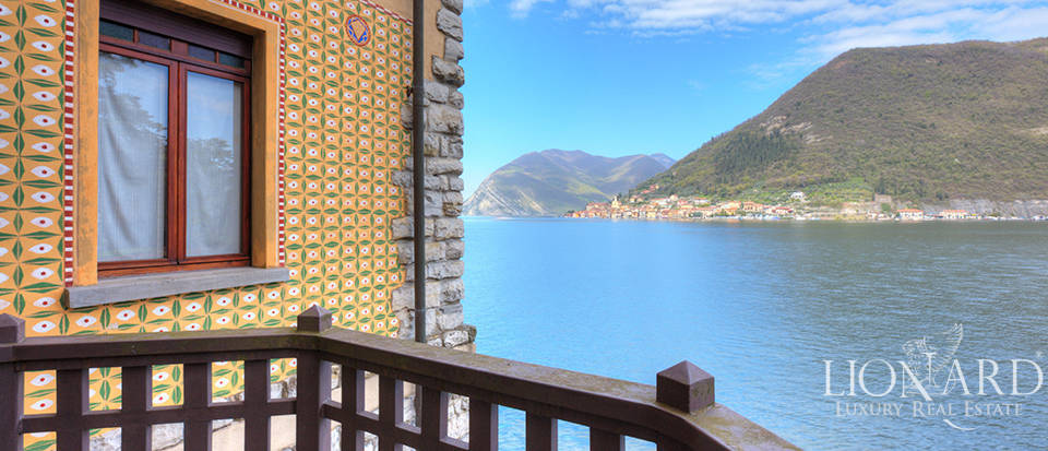 Lake-front villa for sale by Lake Iseo Image 20