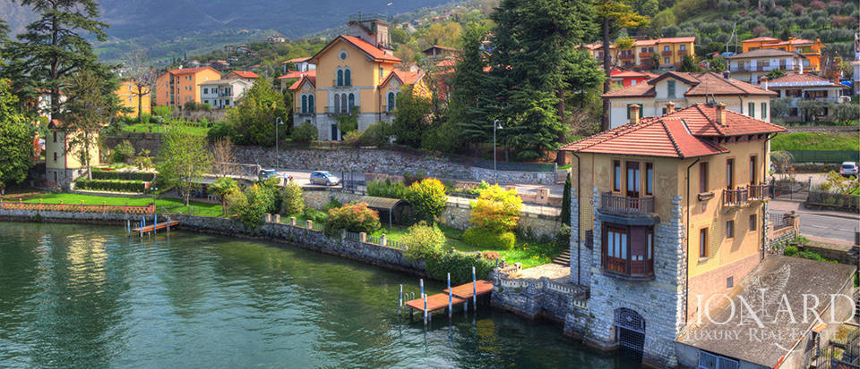 Lake-front villa for sale by Lake Iseo Image 3