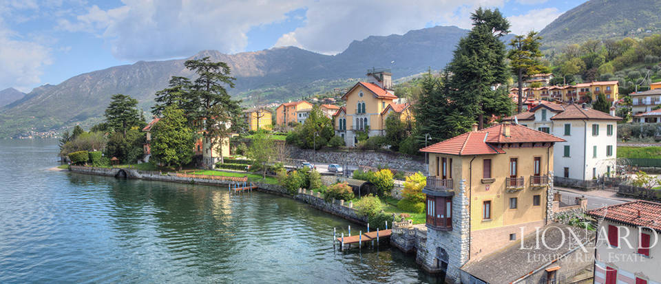 Lake-front villa for sale by Lake Iseo Image 5