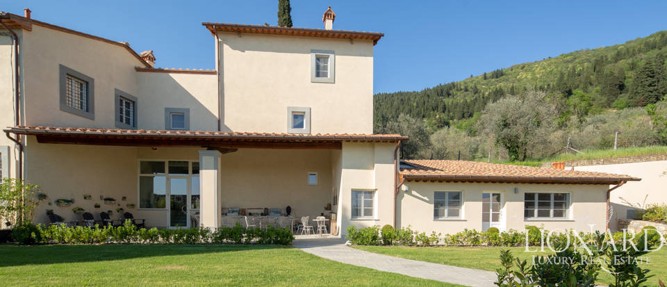 Agritourism resort for sale in Prato Image 1