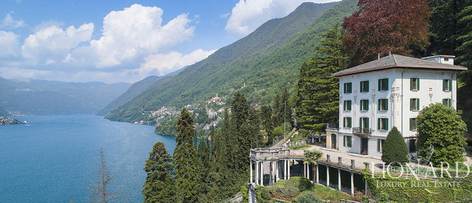 Exclusive historical villa for sale in the province of Como Image 1