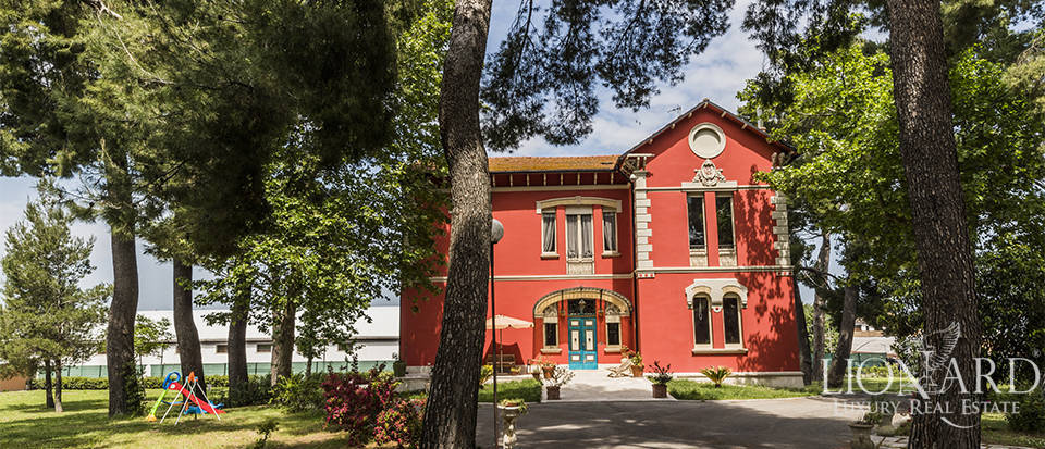 Exclusive villa for sale in the province of Chieti Image 1