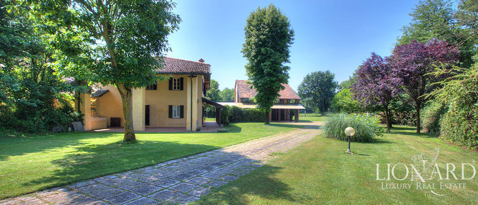 Stunning villa with mill for sale near Milan Image 1