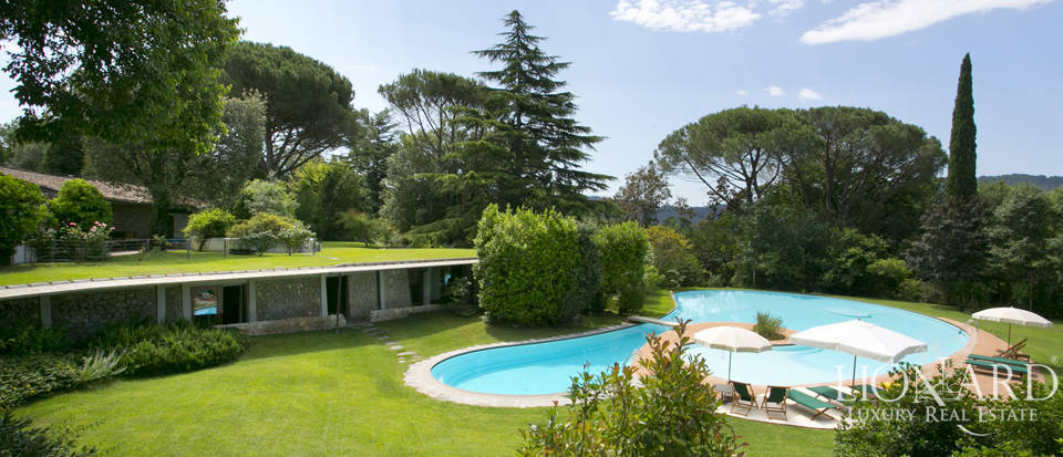 Wonderful luxury villa for sale in Camaiore Image 1