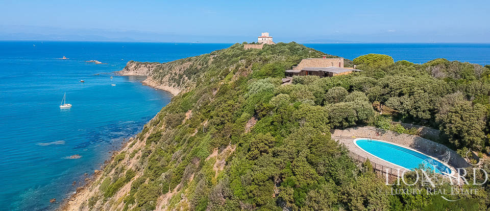 Fantastic villa with sea-front terraces for sale in Punta Ala Image 1