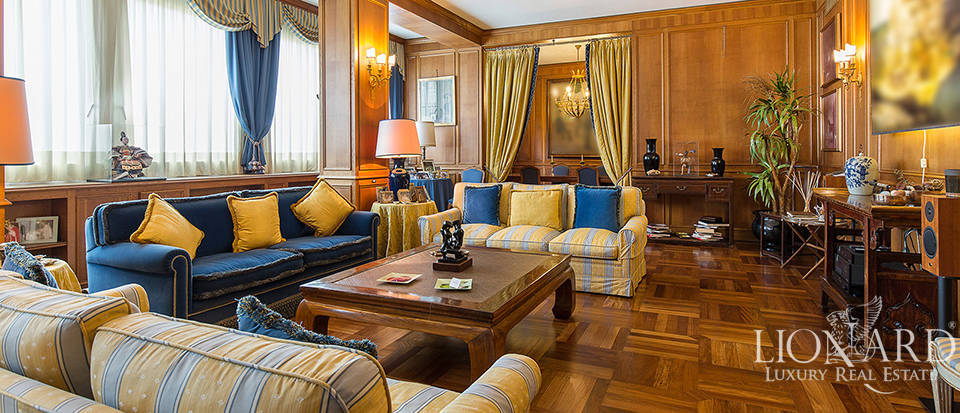Exclusive apartment for sale in Central Milan Image 1