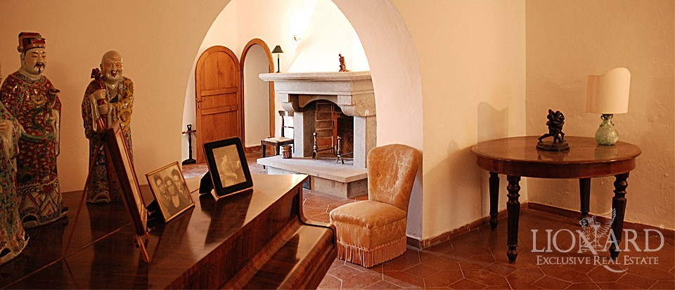 Luxury property tuscany coast lionard for Lionard luxury real estate