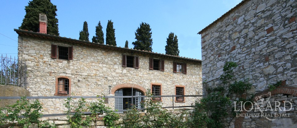 Villa for sale near florence lionard for Real estate in florence italy