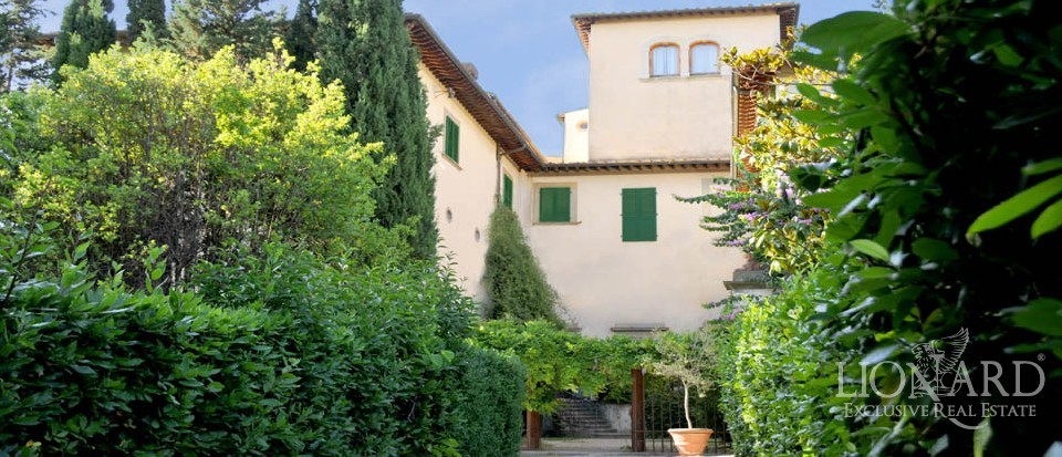Properties for sale in florence with breathtaking views for Real estate in florence italy