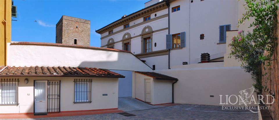 Florence italy real estate lionard for Real estate in florence italy