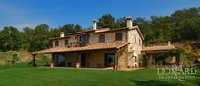 villa in toscana real estate italy jp