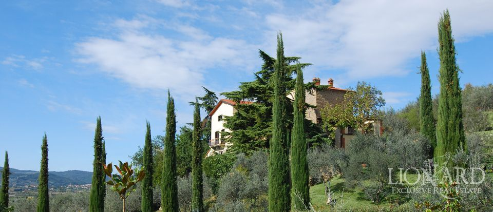 farmhouses for sale italy luxury homes