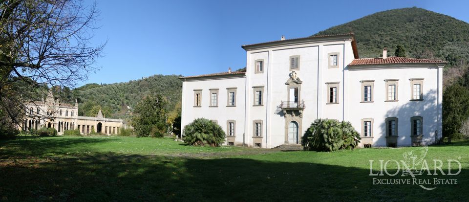 Exclusive villa in pisa lionard for Lionard luxury real estate