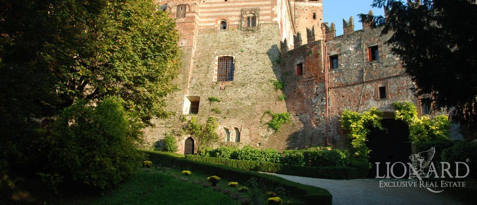 Sale of castles in Corciano