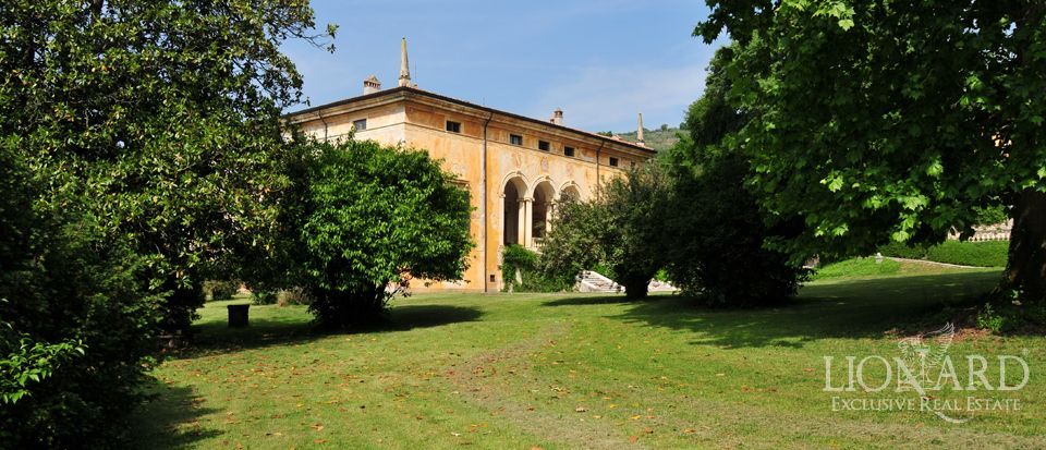 Prestigious renassaince villa in veneto lionard for Lionard luxury real estate