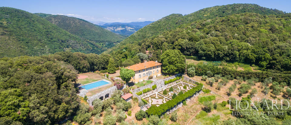 Luxury Real Estate Italy - Luxury Villas in Tuscany Image 11