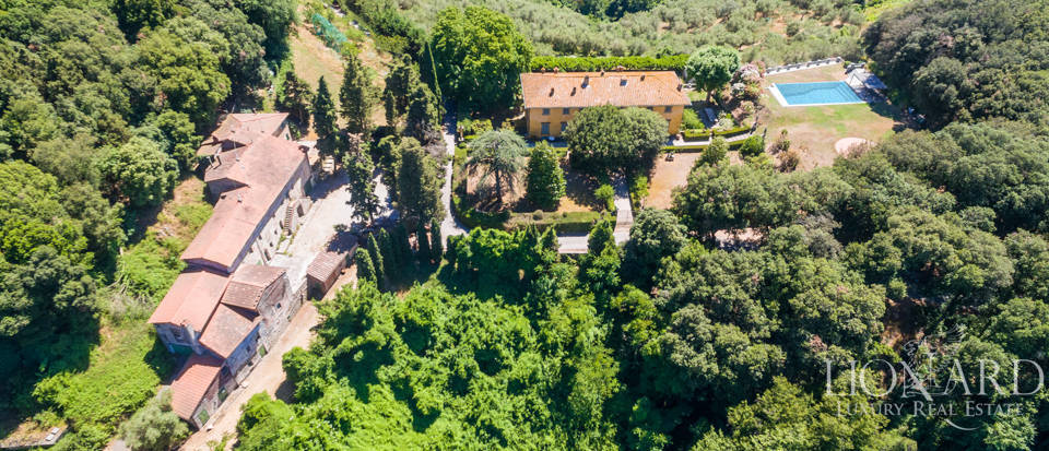 Luxury Real Estate Italy - Luxury Villas in Tuscany Image 19
