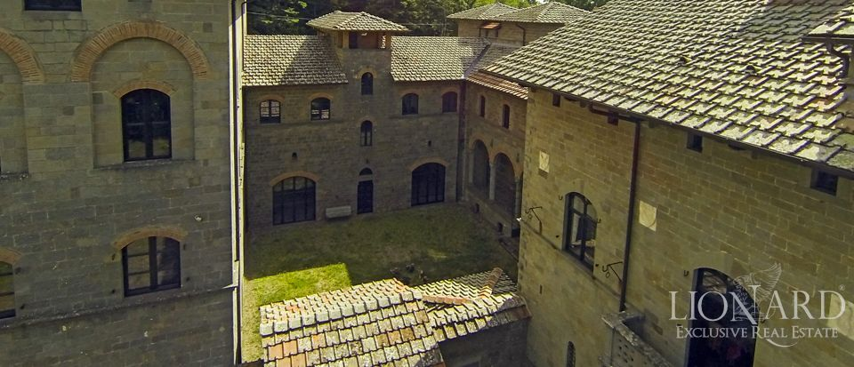 Acquabella castle for sale in tuscany lionard for Lionard luxury real estate