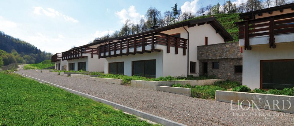 luxury property near milan lionard