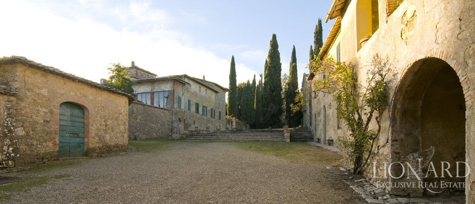 Luxury Property in Tuscany - Villa in Siena Image 61