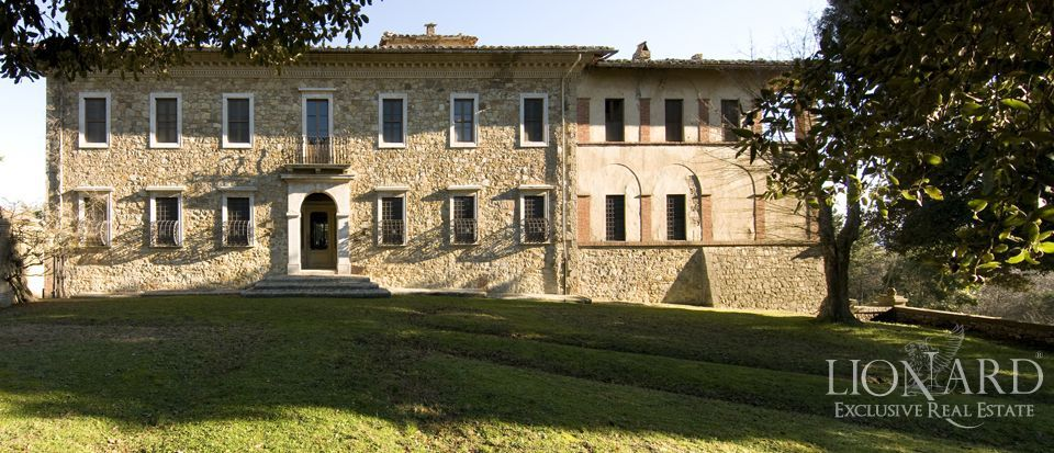 Luxury Property in Tuscany - Villa in Siena Image 40