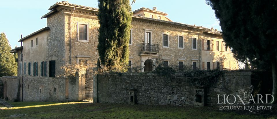 Luxury Property in Tuscany - Villa in Siena Image 38