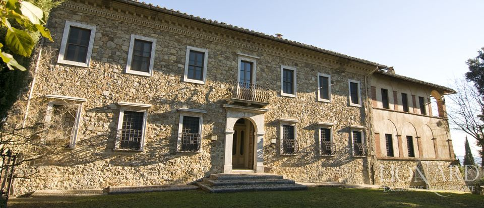 Luxury Property in Tuscany - Villa in Siena Image 1