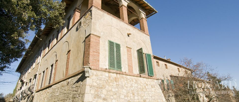 Luxury Property in Tuscany - Villa in Siena Image 31