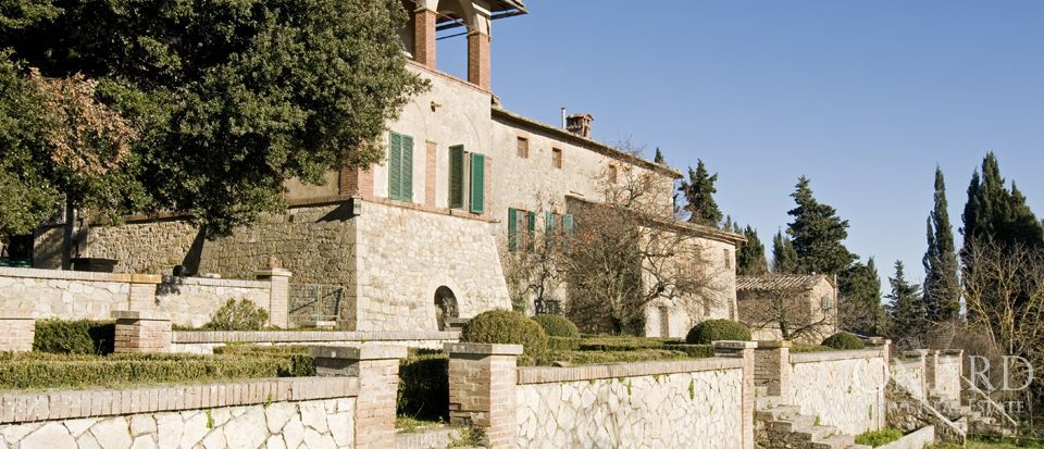 Luxury Property in Tuscany - Villa in Siena Image 26