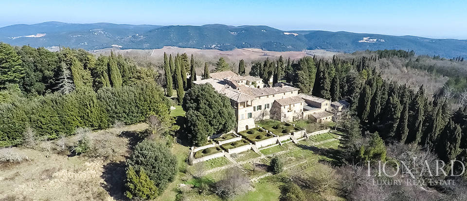 Luxury Property in Tuscany - Villa in Siena Image 3