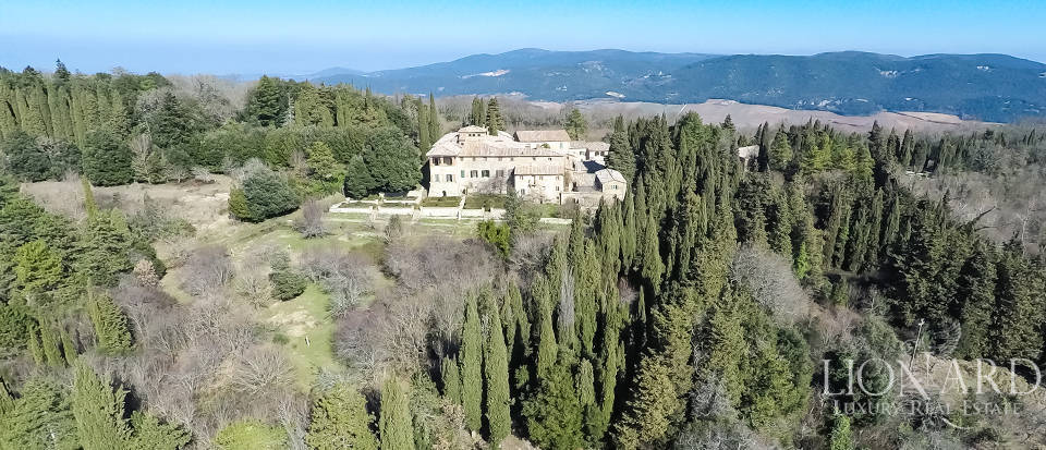 Luxury Property in Tuscany - Villa in Siena Image 6
