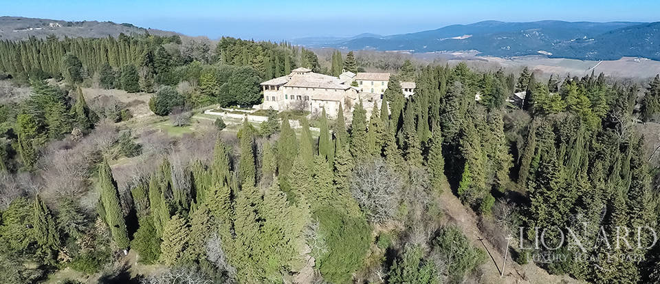 Luxury Property in Tuscany - Villa in Siena Image 7