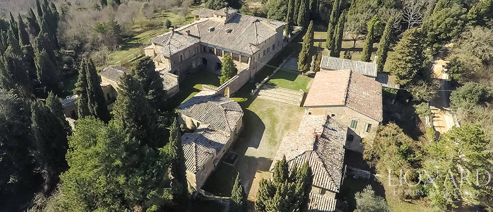 Luxury Property in Tuscany - Villa in Siena Image 15