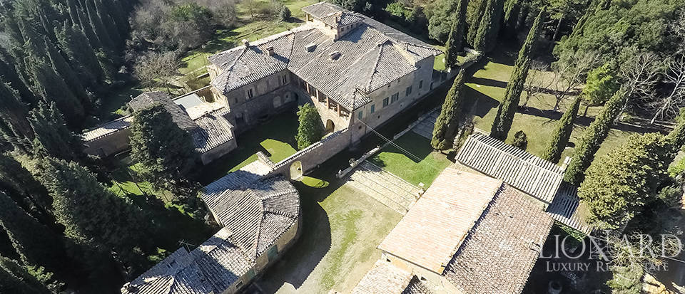 Luxury Property in Tuscany - Villa in Siena Image 16