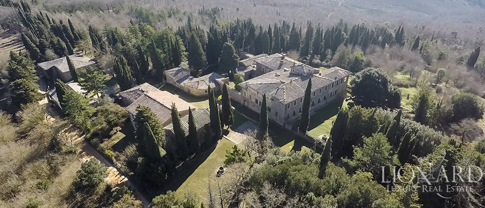 Luxury Property in Tuscany - Villa in Siena Image 18