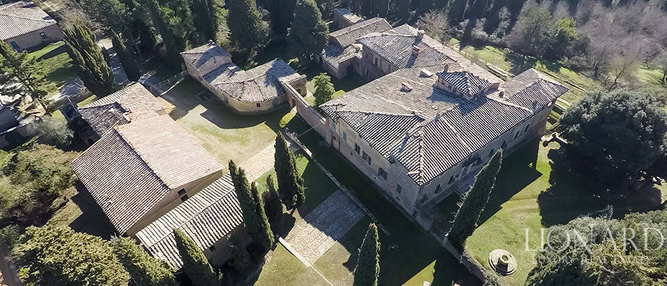 Luxury Property in Tuscany - Villa in Siena Image 19