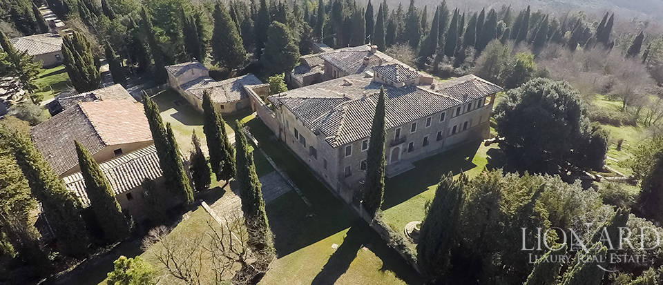 Luxury Property in Tuscany - Villa in Siena Image 20