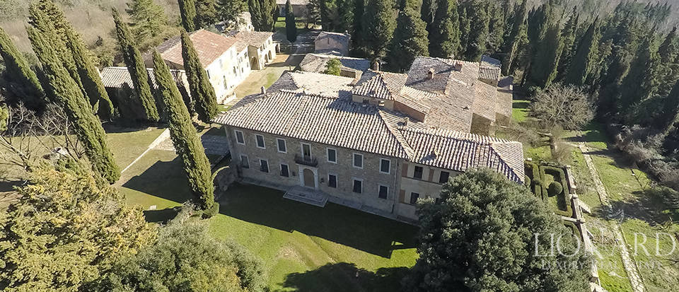 Luxury Property in Tuscany - Villa in Siena Image 21