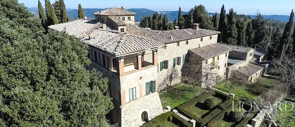 Luxury Property in Tuscany - Villa in Siena Image 23