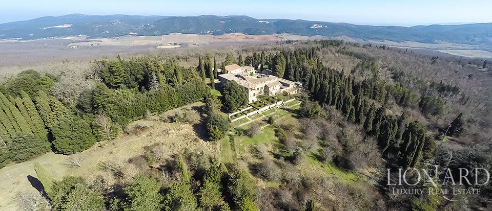 Luxury Property in Tuscany - Villa in Siena Image 9